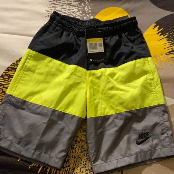 Boys Nike shorts NWT size s